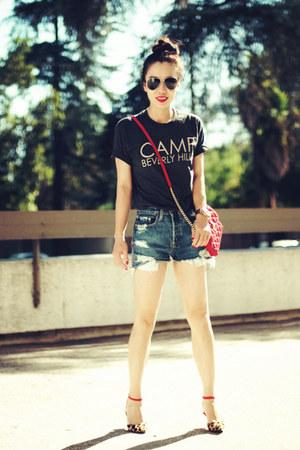 Zara sandals - Marc Jacobs bag - Levis shorts - Camp Beverly Hills t-shirt