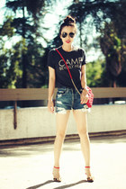 Zara sandals - Marc Jacobs bag - Levis shorts - Camp Beverly Hills t-shirt