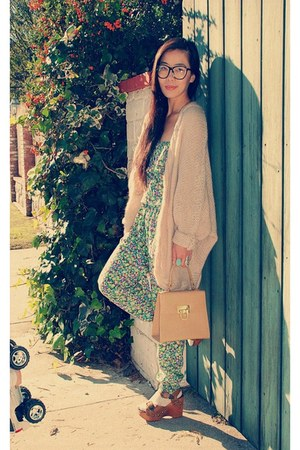 Jeffrey Campbell shoes - H&amp;M sweater - thrifted vintage bag - Zara jumper