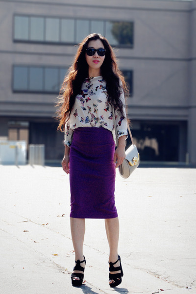 Butterfly-zara-top-magenta-vintage-skirt-aldo-heels_400