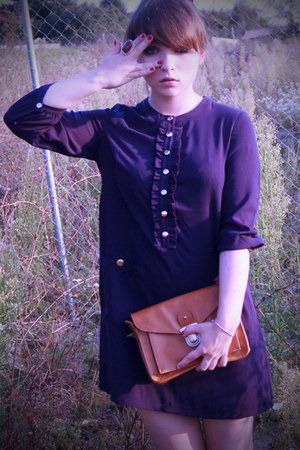 navy buttoned H&amp;M blouse - dark brown golden H&amp;M ring