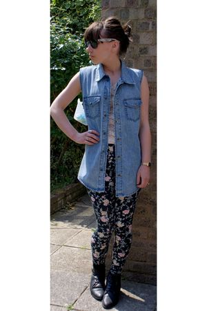 Topshop leggings - Urban Outfitters boots - blue Urban Outfitters t-shirt