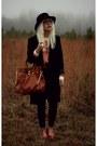 Black-bdg-jeans-nude-pinkyotto-shirt-tawny-michael-kors-bag
