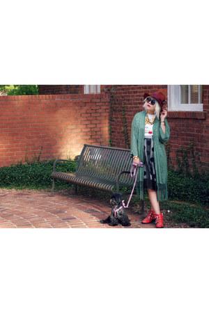 red Jessica Buurman boots - black Paris Coming dress