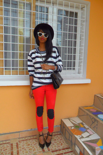 red skinny with DIY knee pads jeans - H&M hat - navy nautical striped sweater