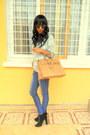 Black-boots-sweater-h-m-sunglasses-mustard-earrings