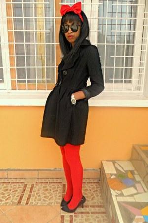 red DIY Headband accessories - black feutre coat - Rolex watch