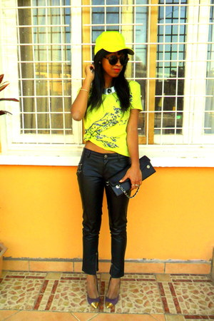 neon t-shirt - H&amp;M sunglasses - purple cap toe Studio X Andr pumps