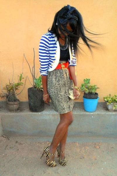 Beige Kaidaner Zebra heels - golden purse - Beige Paradise Snake print skirt