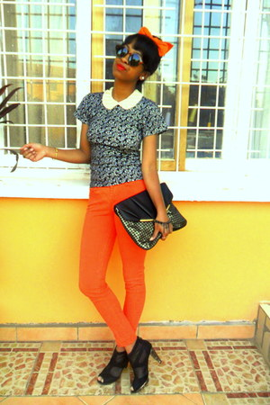 carrot orange Skinny jeans - black shoes - black new look purse - H&M sunglasses