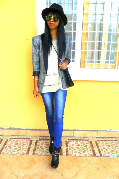 black biker boots - blue Skinny jeans