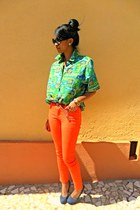 teal SFNY studded heels - carrot orange Skinny jeans - chartreuse ethnic shirt
