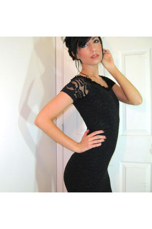 black Vintage Lace dress from the 80s dress