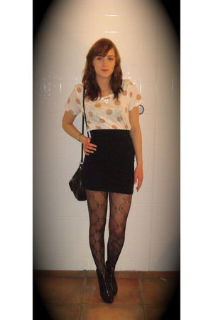 beige Topshop t-shirt - black H&M shirt - black Topshop stockings - black Zara s