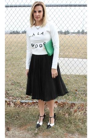 green vintage whiting & davis bag - black vintage skirt