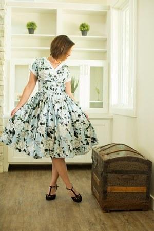 floral unique vintage dress - t-strap Amazon heels