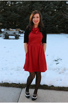 red coach tour modcloth dress - polka dot modcloth tights - black modcloth heels