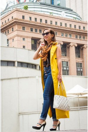 high-waisted modcloth jeans - quilted kate spade bag - trench coat shein vest