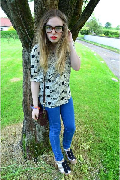 beige charity shop shirt - blue new look jeans - maroon RIver Island bag