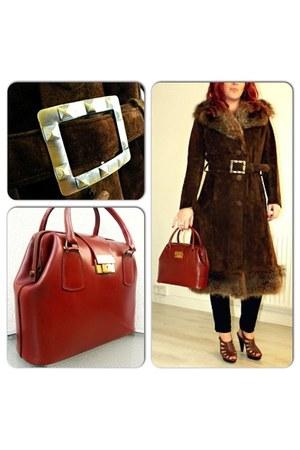 dark brown vintage coat - tawny vintage bag