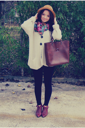 crimson vintage bag - beige knit thrifted sweater - black Zara tights
