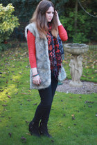 hot pink Primark scarf - black Topshop boots - black Topshop jeans
