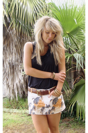 black Avocado top - beige Rusty skirt