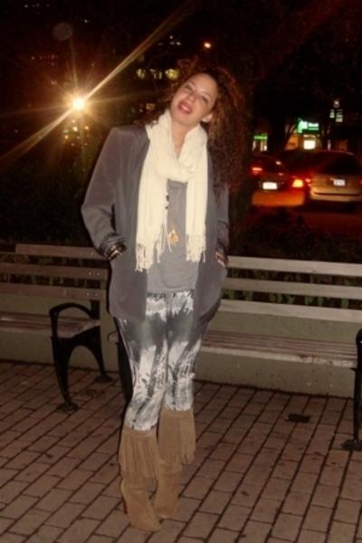 Empyreporio Armani blazer - Zara t-shirt - forever 21 leggings - Zara boots - Ke