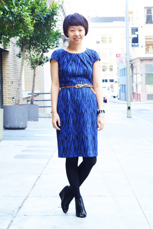 blue zebra print calvin klein dress - mustard cheetah print belt