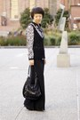 Black-leather-bow-lipglossandblack-necklace-ivory-bird-zara-shirt