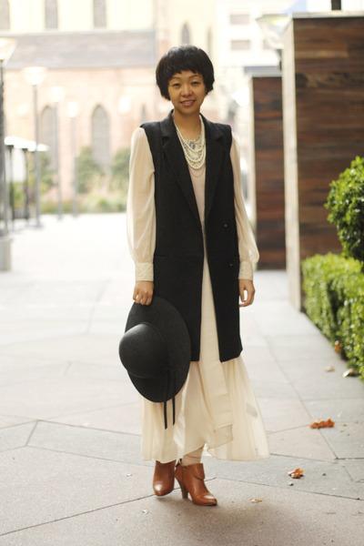 cream chictopia shop pixie market dress - gray wool H&M vest