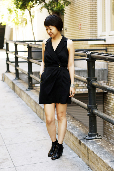 black cynthia rowley dress