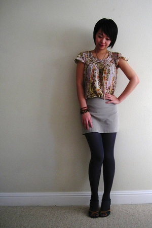free people top - Express skirt - Pink Studio shoes