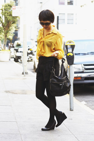 yellow ABS shirt - black coach wedges