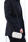 White-clutch-purse-black-zara-blazer