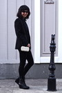 Black-zara-blazer-white-clutch-purse