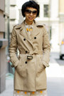 Tan-trench-coat-woolrich-jacket-dark-brown-marc-by-marc-jacobs-sunglasses