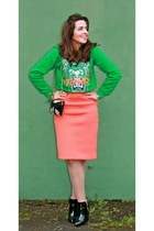 Kenzo sweater - Zara bag - Bimba & Lola skirt