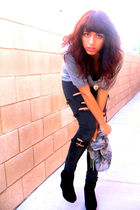 gray Forever 21 shirt - black delias jeans - silver scarf - black Bamboo boots