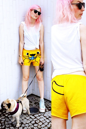 yellow Lo&amp;Chlo shorts - white handmade shirt - black Seppla glasses