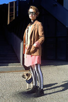 salmon kling dress - white striped romwe leggings - camel H&amp;M blazer
