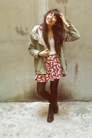 maroon floral Forever 21 skirt - black Dr Martens boots
