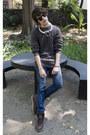 Frank-wright-boots-zara-jeans-pull-bear-sweater-ray-ban-sunglasses