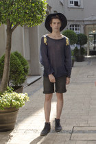 Frank Wright boots - Wonderplace Korea hat - Wildfox sweater - pull&bear shorts