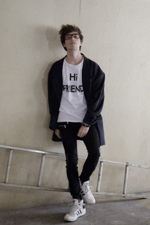 The Left bank by Hardy Punglia t-shirt - pull&bear jeans