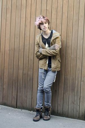 Zara jeans - H&M jacket - codes combine t-shirt - codes combine sneakers