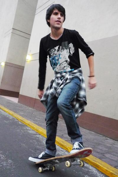 pull&bear t-shirt - Zara jeans - Zara shirt - Vans sneakers