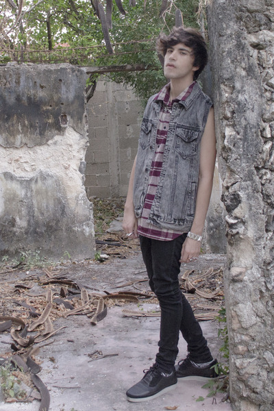 H&M shirt - asos jeans - Forever 21 vest - Gourmet sneakers - H&M necklace