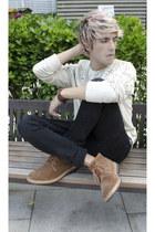 H&M sweatshirt - Frank Wright boots - asos jeans - H&M bracelet