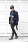 Frank-wright-boots-pull-bear-jeans-h-m-blazer-h-m-scarf